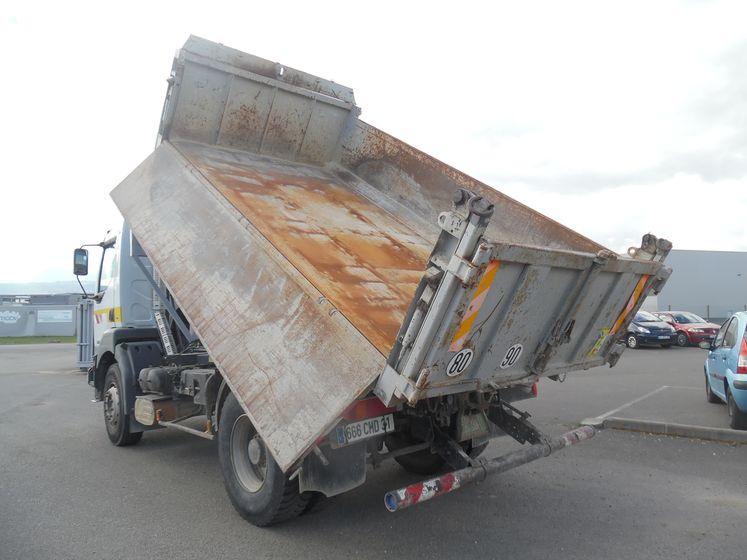 Renault vi KERAX 370 4×2 bibenne