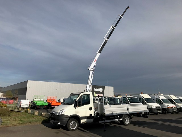 Iveco DAILY 35C15 plateau grue