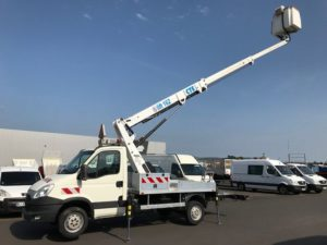 Iveco daily 35 s 13 nacelle