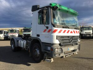 Mercedes 2046 4x2 tracteur