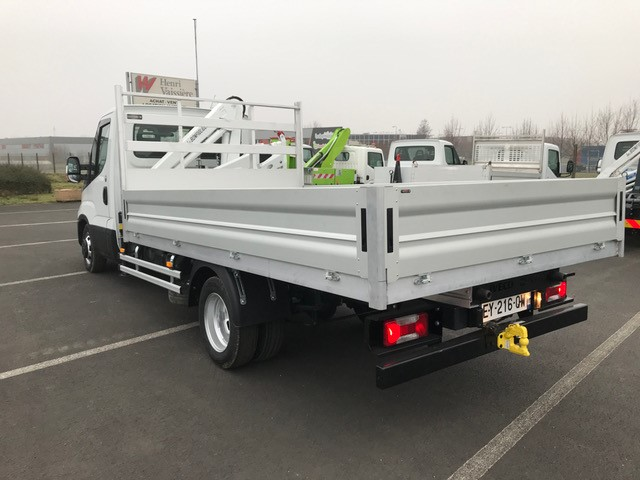 Iveco DAILY 35 C 15 plateau grue